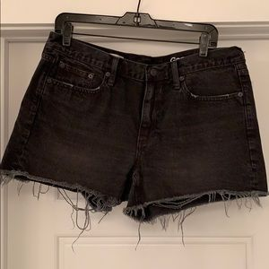 "Gap ""Slim Shorts"" NEW size 30✨"